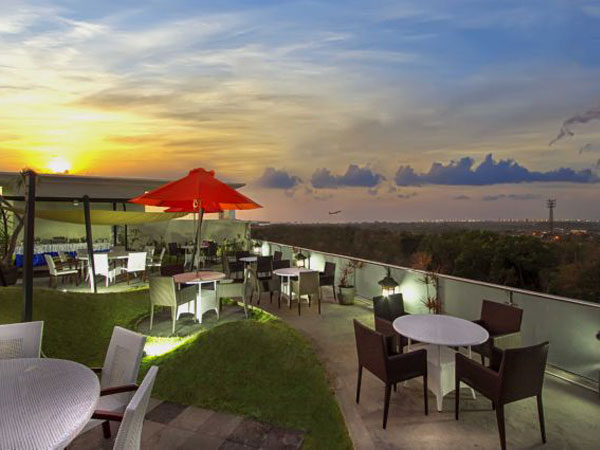 Rooftop Restaurant Rooftopsolutions Provider Of Shade